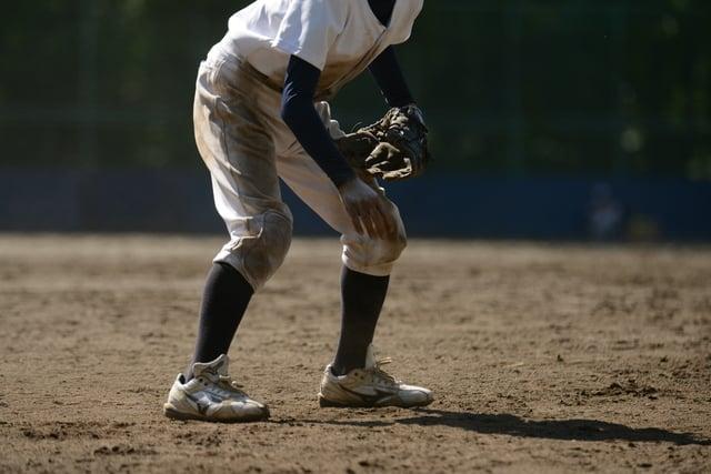 泥で汚れた野球のユニフォーム