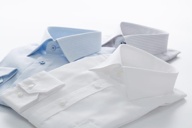 畳まれたシャツ