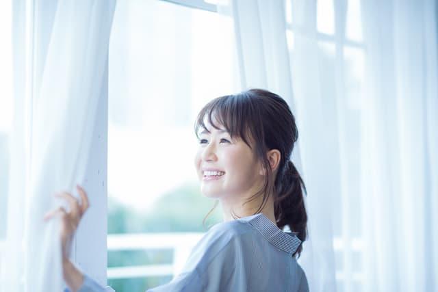 シャワーカーテンにカビが?対策と簡単クリーニング方法を解説