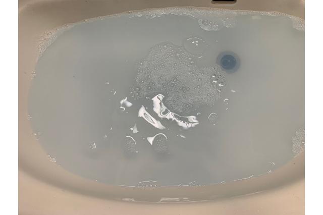 溶け切ったジェルボール洗剤