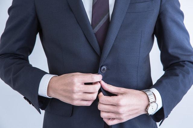 ワイシャツにおすすめの宅配クリーニング、価格やオプションを徹底比較