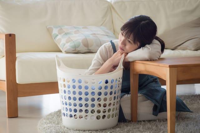 洗濯に悩む女性